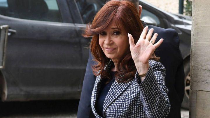 Cristina Fernández de Kirchner renuncia a la candidatura a la presidencia de Argentina en favor de Alberto Fernández