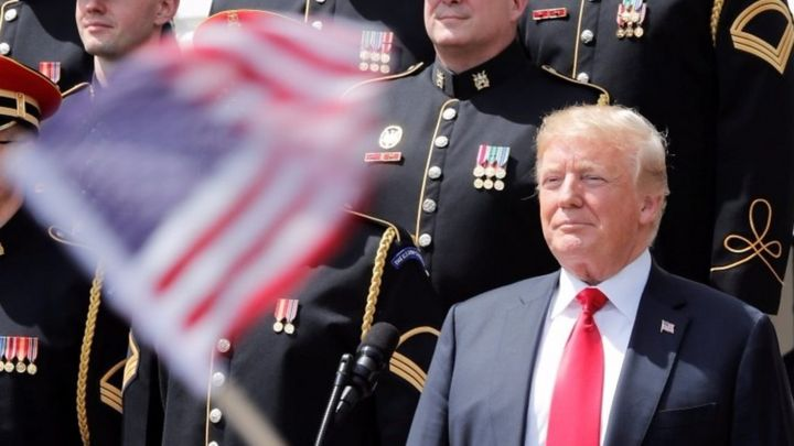Trump accused of not knowing words to God Bless America