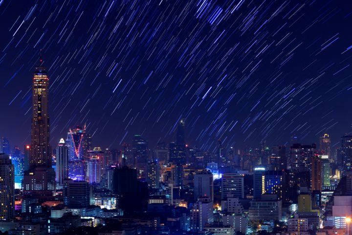 Chuva de meteoros: a empresa que se prepara para lançar o show de fogos mais ambicioso do mundo