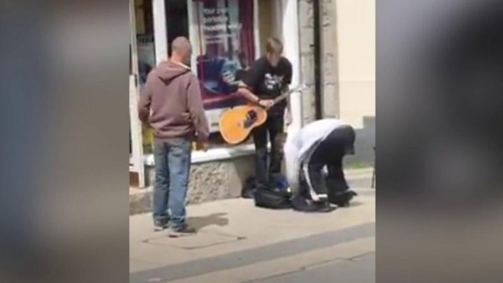 Thieves jailed for stealing from blind busker in Bangor