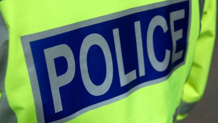 Children 'distressed' after being threatened by teenager in Perth