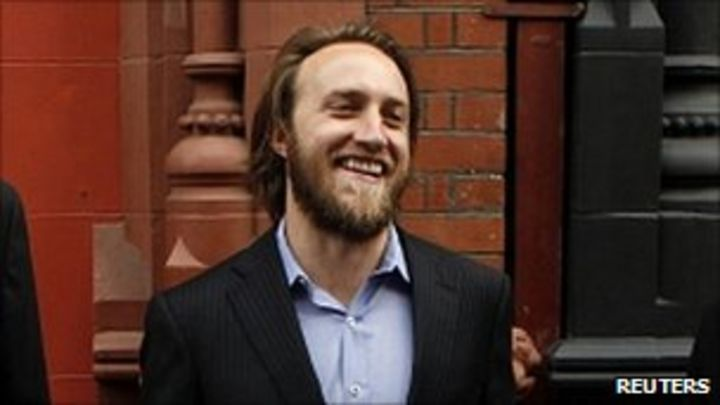 Youtube Co Founder Chad Hurley Steps Down As Ceo Bbc News