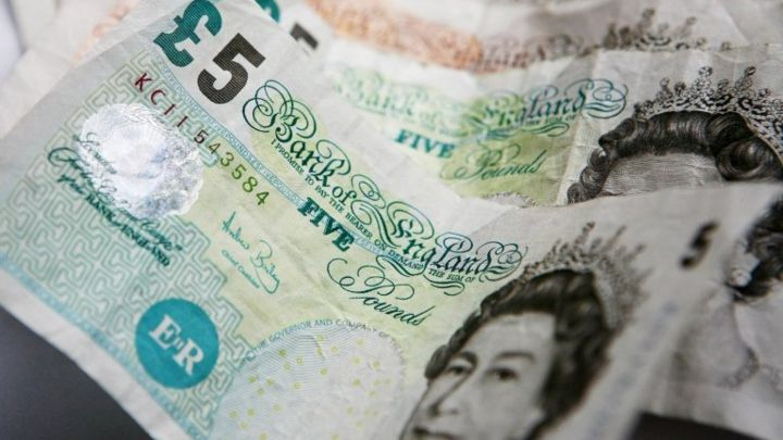 Pound falls on fears of Scottish independence