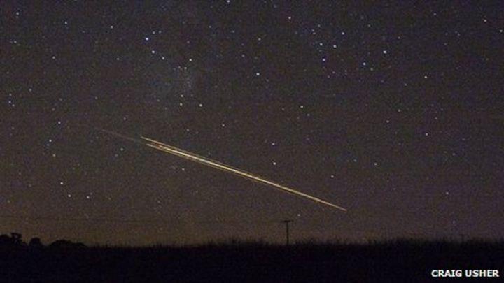 Meteor' sightings across Scotland prompt 999 calls - BBC News