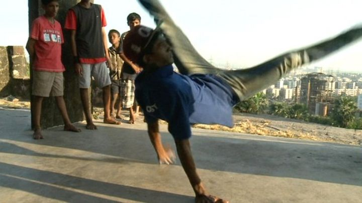 Indian youths breakdancing to escape life in the slums
