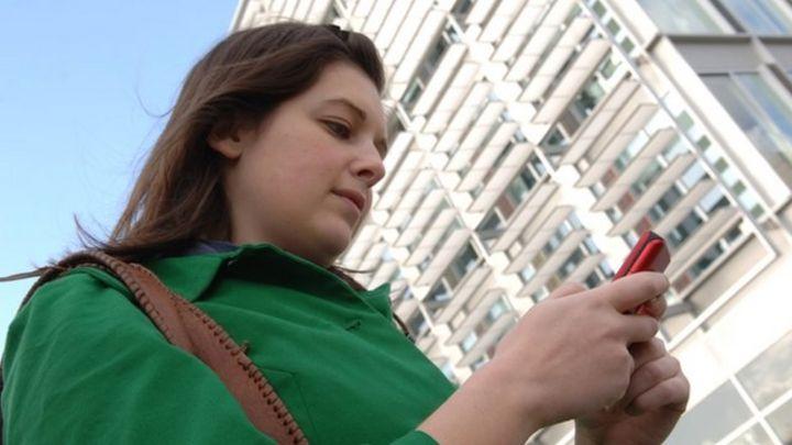 Avoiding the pitfalls of texting and walking