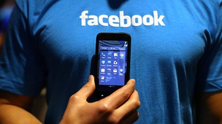 Facebook to test mobile payment feature