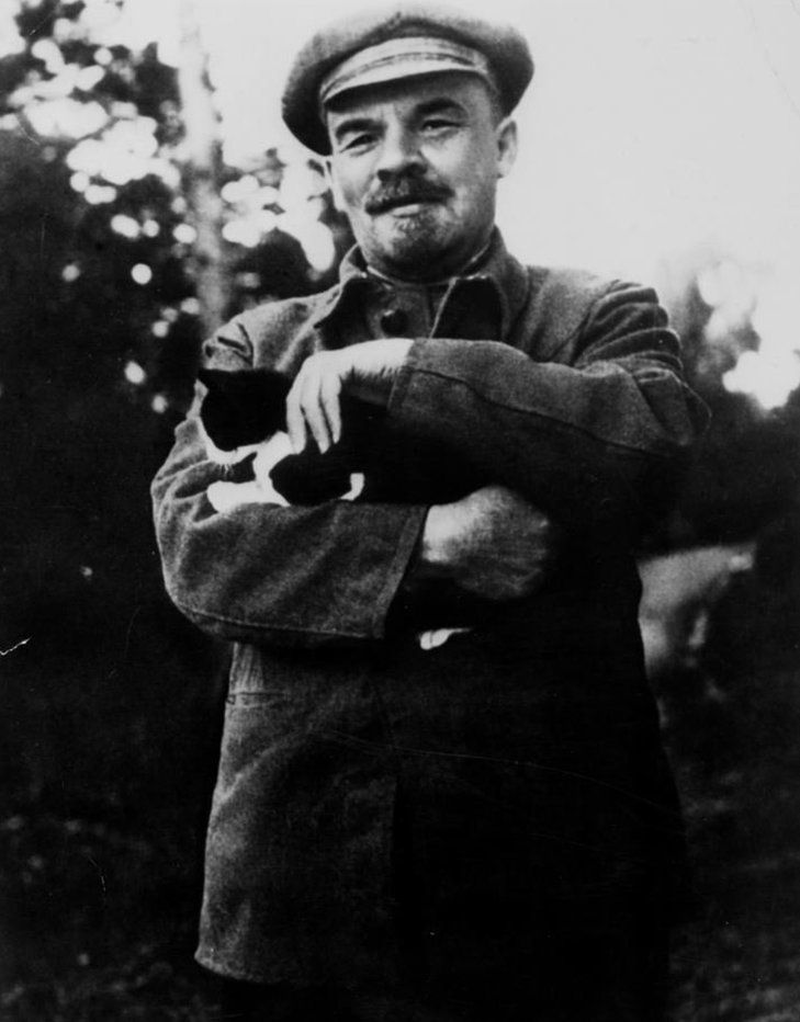 Lenin with a cat
