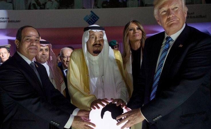 Tổng thống Hoa Kỳ Donald Trump gặp Tổng thống Ai Cập Al-Sisi và Quốc vương Ả-rập Saudi Salman tại Ả-rập Saudi hồi hai tuần trước