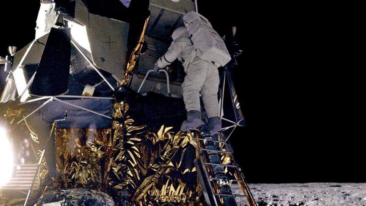 После того, как Пит Конрад сымпровизировал на тему знаменитой фразы, сказанной в подобной ситуации Нилом Армстронгом, на поверхность Луны спустился Алан Бин