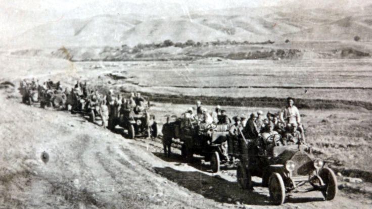دوشنبه در سال ۱۹۲۶ - نخستین خودروهایی که وارد تاجیکستان شدند، خودروهای آمو اف 15 در کارخانه ای در مسکو تولید شده اند