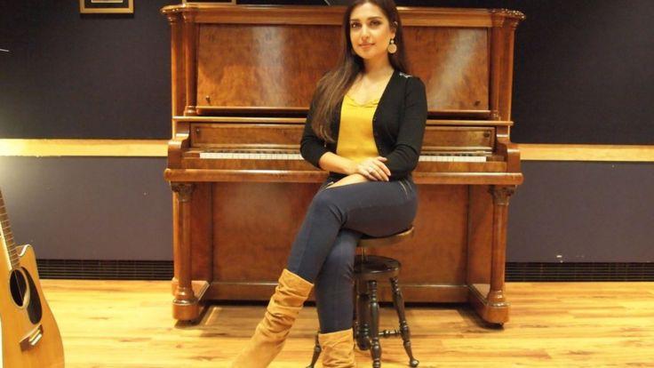 Мождах Джамалзадах у фортепиано