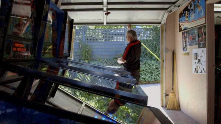 Maurizio Gagno opens up his garage