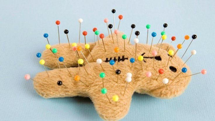 игрушка с иголками