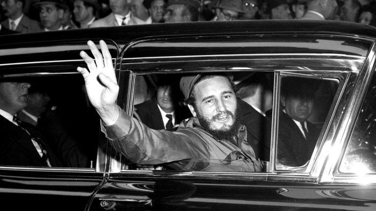 В 1959 году в Нью-Йорке Кастро окружали поклонники - совсем как Элвиса Пресли