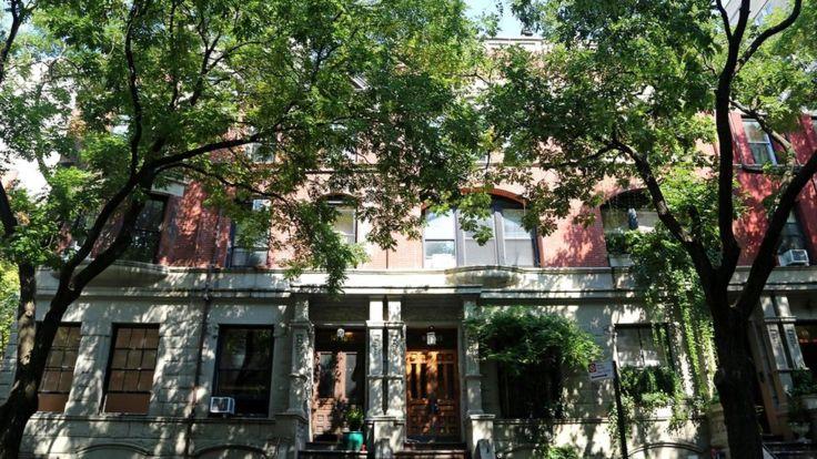 В 1948 году 22-летний Кастро провел медовый месяц (а точнее - три месяца) в особняке в Верхнем Уэст-сайде Манхэттена