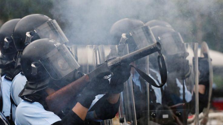 полицейские в Гонконге применяют газб 12 июня 2019