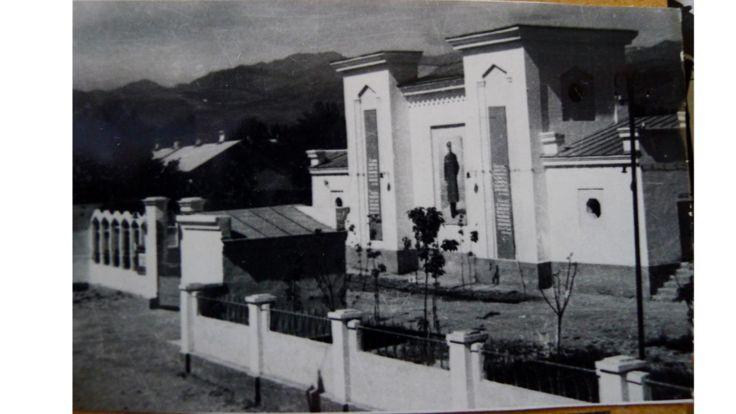 یکی از نخستین سینماهای تابستانه به نام