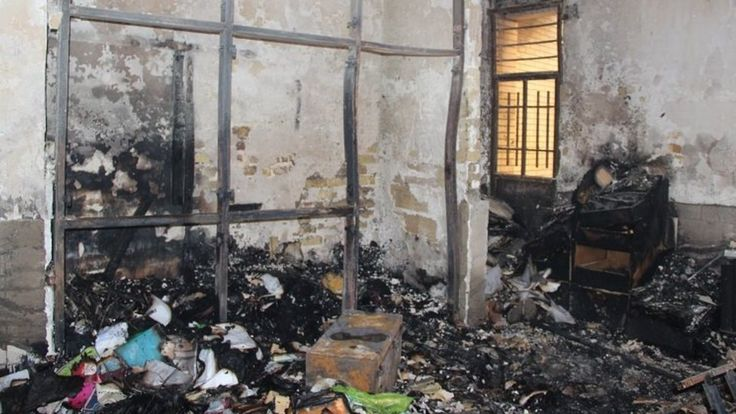 رسانه های ایران پیشتر از به آتش کشیده شدن حوزه علمیه تاکستان خبر داده بودند