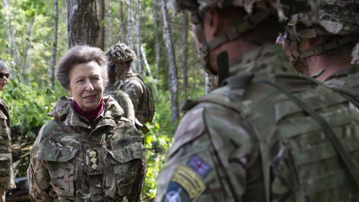 Принцесса Анна в военной форме