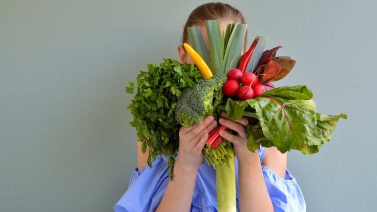 На первый взгляд кажется, что у веганов - разнообразная еда. Но мозг получает из нее далеко не все необходимое