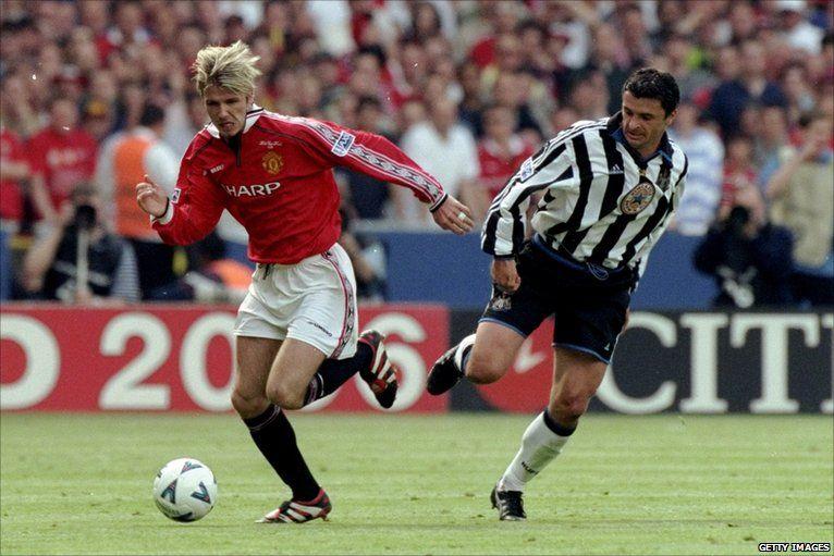 Newcastle oedd trosglwyddiad nesaf Speed am £5.5m yn 1998. Mewn chwe blynedd yn y gogledd-ddwyrain fe chwaraeodd yn rownd derfynol Cwpan yr FA ddwywaith ac ymddangos yng Nghynghrair y Pencampwyr