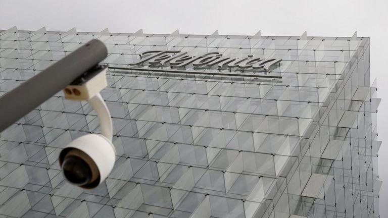 Vista exterior del edificio de Telefónica