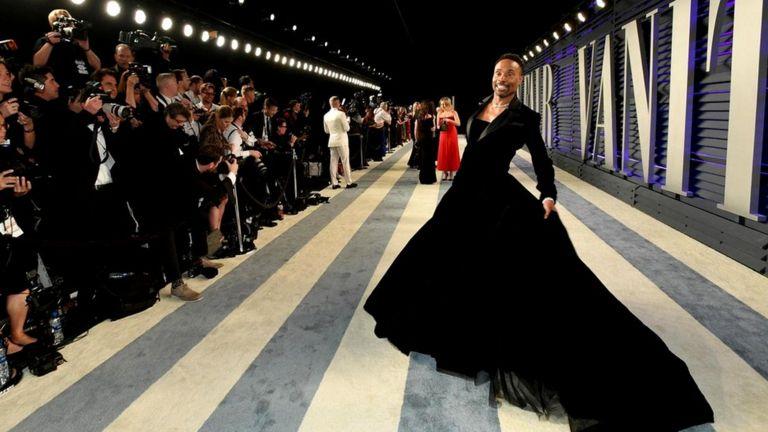 Смокинг-платье Билли Портера вызвало фурор на церемонии Оскаров-2019