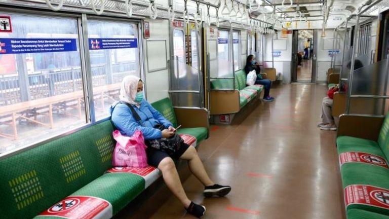 Một đường tàu ở Jakarta