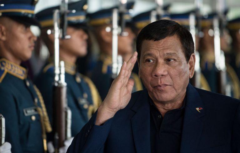 Tổng thống Philipines Rodrigo Duterte muốn trong thăm dò dầu khí ở biển Đông
