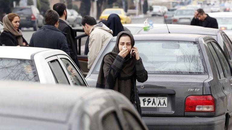 خانوادههای نگران در تهران برای هر خبر تازه بیصبرانه منتظرند