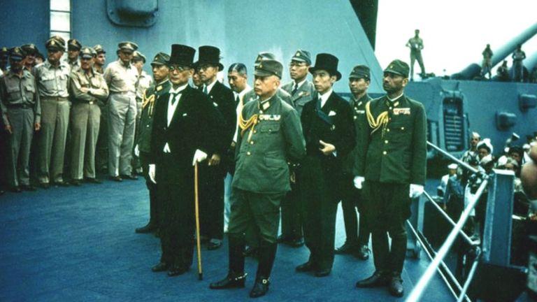 Đại diện của Nhật Bản ký kết đầu hàng