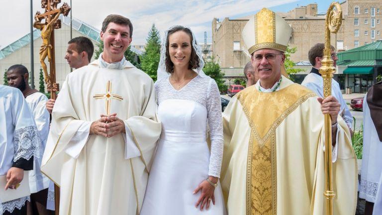Consagración de Jessica Hayes. Foto de Today's Catholic/Joe Romie