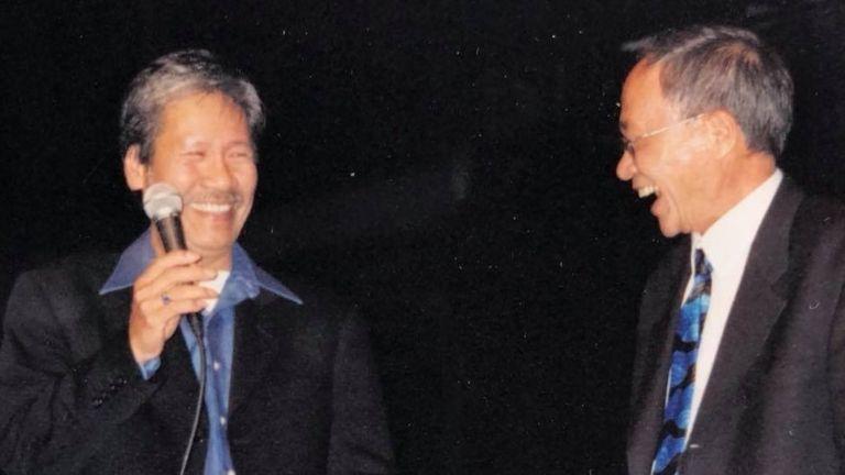 Nhạc sĩ Từ Công Phụng và nhà thơ Du Tử Lê (phải)