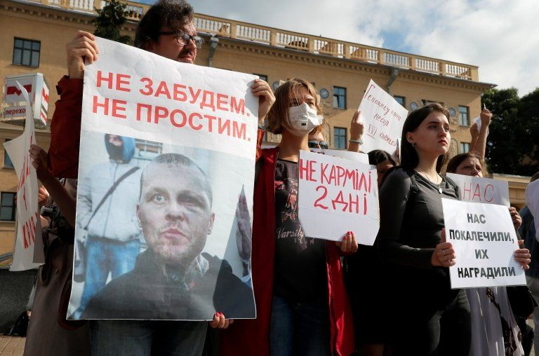 Protests against a brutal police crackdown continued in Minsk on Saturday