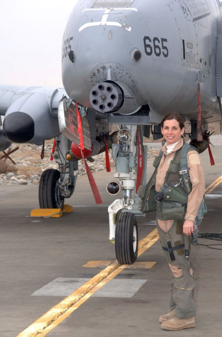 Подполковник Марта МакСкалли - первая боевая летчица-участница боевых действий