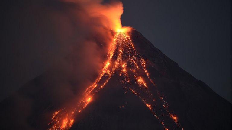 núi lửa Mayon trên đảo Luzon