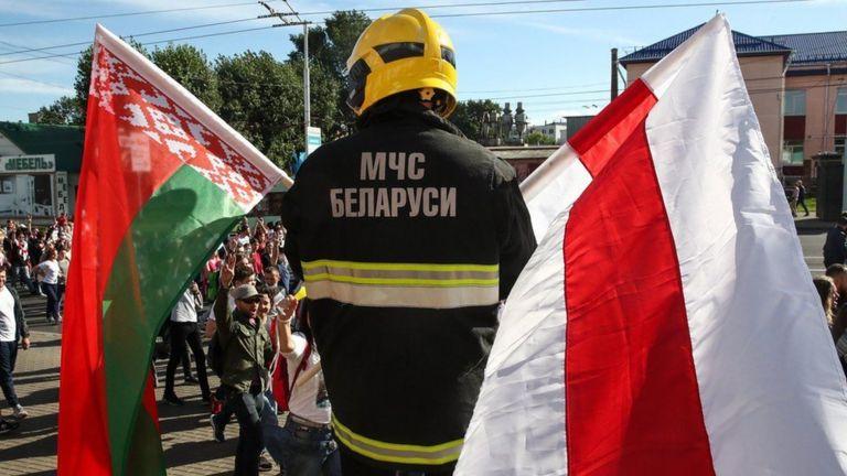 Некоторые госслужащие в Беларуси, а также сотрудники правоохранительных органов уволились в знак протеста