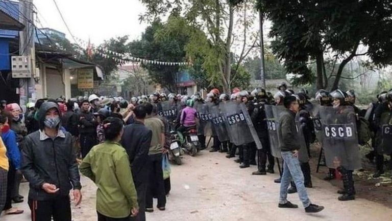 Cảnh sát Cơ động được điều tới Đồng Tâm với số lượng lớn trong và sau hôm 9/1