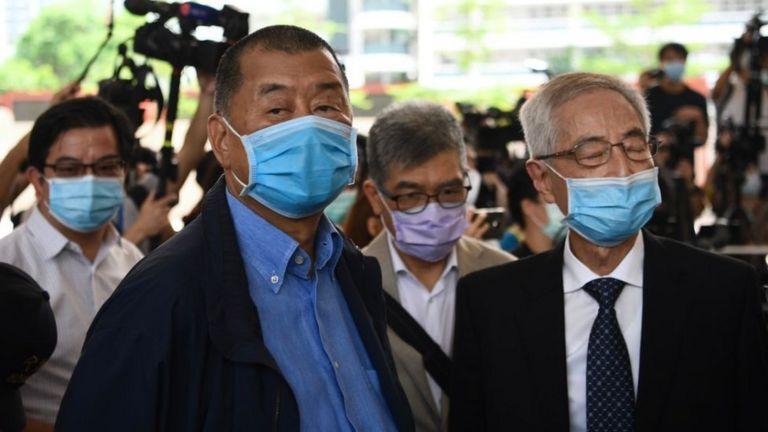 Ông Jimmy Lai Chee-ying and Martin Lee Chu-ming (phải) ra tòa ngày 18/5/2020 với cao buộc tổ chức biểu tình trái phép