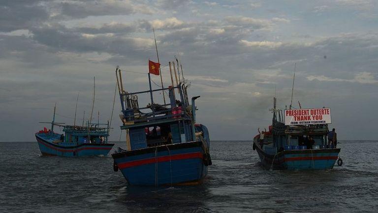Quyết định thả ngư dân đưa ra sau khi Tổng thống Duterte thăm Việt Nam