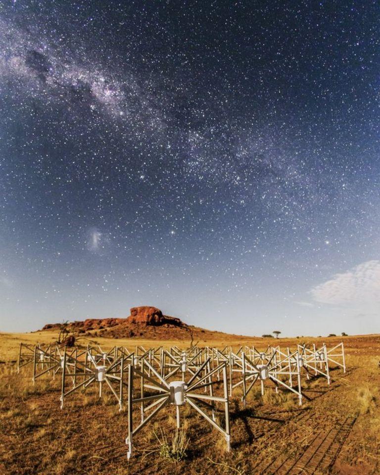 """радиотелескоп из обсерватории """"Мерчисон"""""""