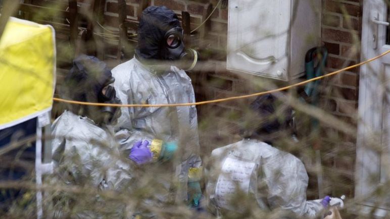 A team believed to be from the OPCW carry out tests in Salisbury
