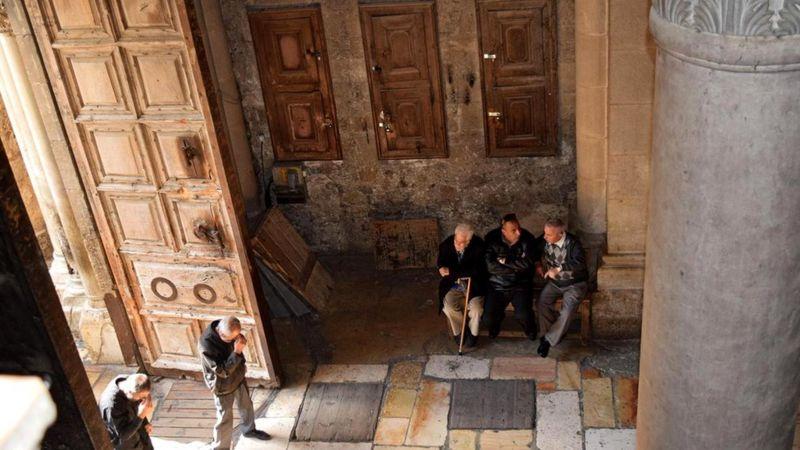 Символ мирного сосуществования ислама и христианства: почему ключи от Храма Гроба Господня находятся у мусульман?