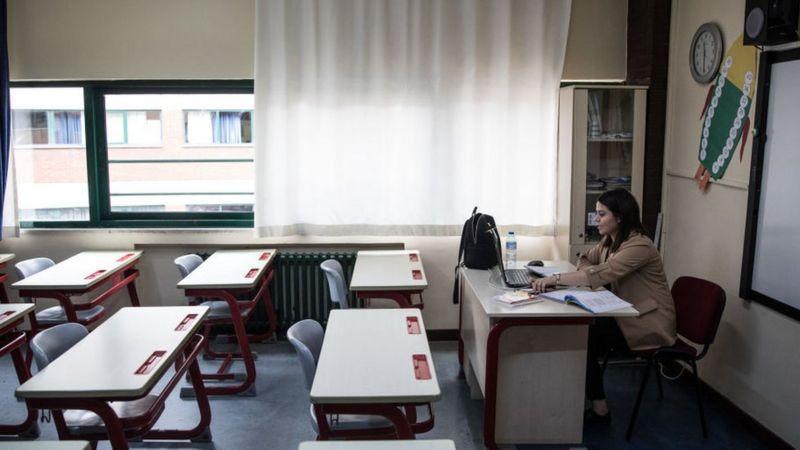 Atanmayı bekleyen öğretmenler için zaman daralıyor: 'Geleceğimizi çaldılar'