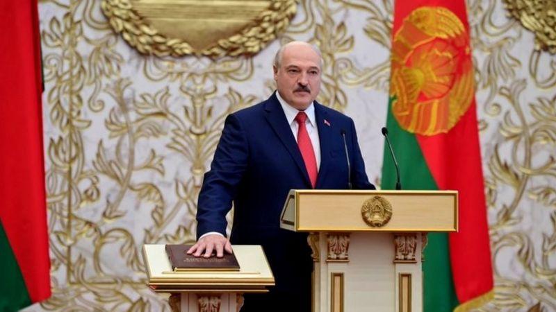 انتخابات ریاست جمهوری بلاروس؛ لوکاشنکو بیسر و صدا سوگند خورد