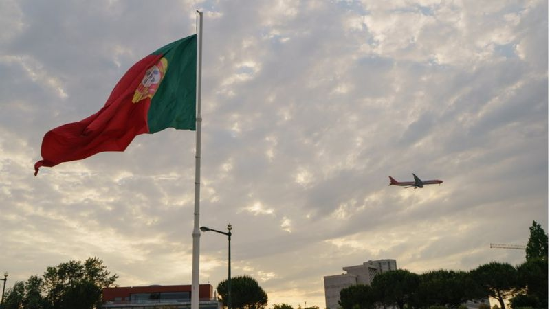 Imagem de avião em Portugal
