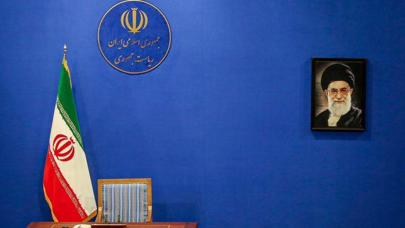 انتخابات ۱۴۰۰ ایران: اعلام زمان ثبت نام از داوطلبان همزمان با ابهام درباره رقبای انتخاباتی