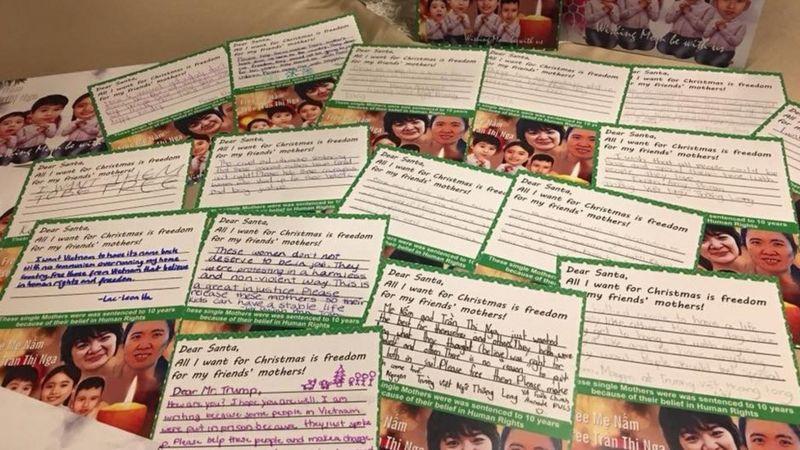Hình ảnh các tấm thiệp Giáng sinh do các em nhỏ Việt kiều viết