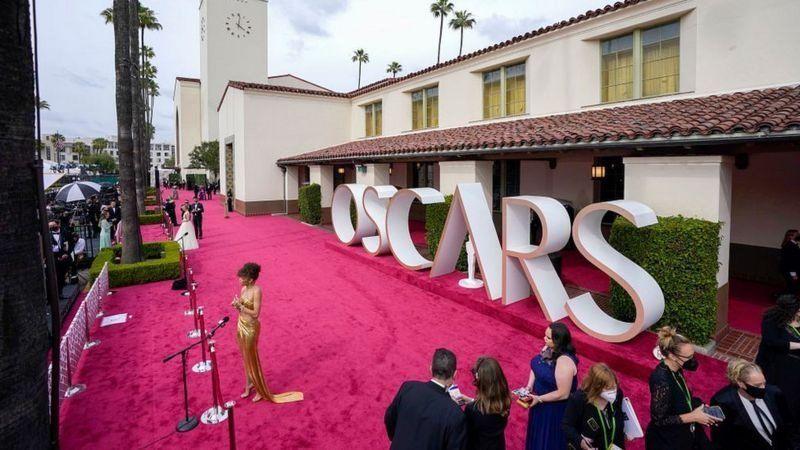 «Оскари» вручали у незвичному місці — на залізничній станції
